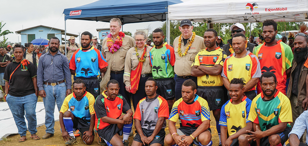 PNG LNG backs Komo Rugby League Association with official Jerseys